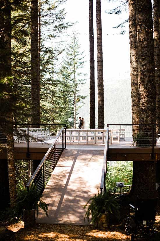 Noble Ridge Tree Deck